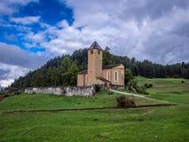 Vieille église dans les Alpes - 4 Photographie stock libre de droits