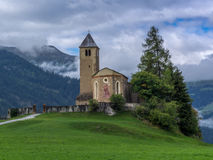 Vieille église dans les Alpes - 2 Photo stock