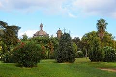 Vieille église en parc espagnol de citadelle de parc à Barcelone Image stock