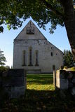 Vieille église en pierre médiévale de Kaarma Images libres de droits