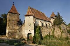 Vieille église enrichie dans le village de Valchid photographie stock