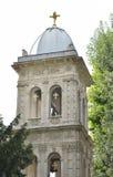 Vieille église entre les arbres Photographie stock