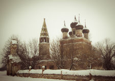 Vieille église orthodoxe en hiver Image libre de droits