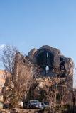 Vieille église ruinée au centre de Tbilisi Photo libre de droits
