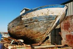 vieille épave de bateau de coque Photographie stock libre de droits