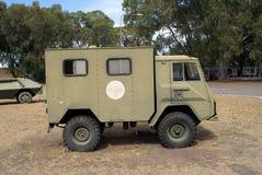 Vieille ambulance militaire Photographie stock