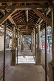 Vieille architecture : Arcades à l'intérieur d'une galerie de marché de Bolhao dans P image libre de droits
