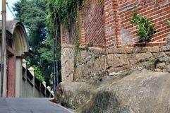 Vieille architecture et petite rue Image libre de droits