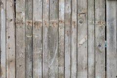 Vieille barrière en bois avec les clous rouillés photographie stock libre de droits