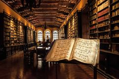 Vieille bibliothèque Photographie stock