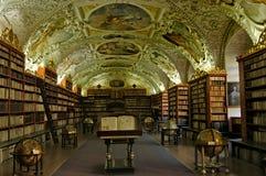 Vieille bibliothèque image stock