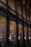 Vieille bibliothèque de l'université de trinité, Dublin Images stock
