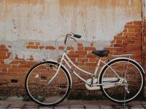 Vieille bicyclette Photo libre de droits