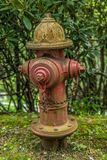 Vieille bouche d'incendie de bord de la route rural image stock