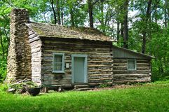 Vieille cabine de logarithme naturel Photos stock
