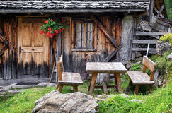Vieille cabine de logarithme naturel Photos libres de droits