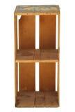 Vieille caisse en bois vide droite de verger d'isolement. photographie stock