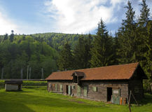 Vieille carlingue dans les montagnes photos libres de droits