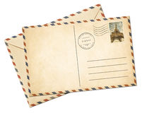 Vieille carte postale et enveloppe d'avion de pair d'isolement Image stock