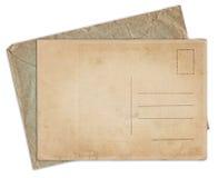 Vieille carte postale et enveloppe de vintage d'isolement Photos libres de droits