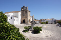 Vieille cathédrale d'expert en logiciel de ville du Portugal, Faro Photo stock