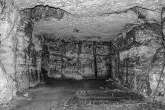 Vieille caverne ou catacombes Images libres de droits