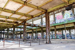 Vieille centrale : Architecture d'acier de construction Photos stock