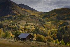 Vieille Chambre dans la couleur d'automne Photo libre de droits