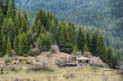 Vieille Chambre dans les montagnes Photo libre de droits