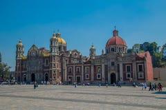 Vieille chapelle de Guadalupe Basilic et de Capuchinephotos stock