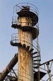 Vieille cheminée avec le ciel bleu Photographie stock libre de droits