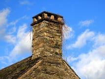 Vieille cheminée en pierre Images libres de droits