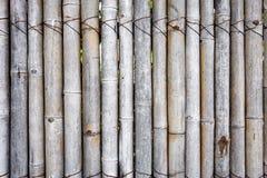 Vieille clôture en bambou pour le jardin, le mur ou la décoration images libres de droits