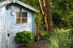 Vieille cloche bleue de jardin Image libre de droits