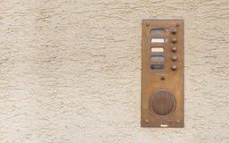 Vieille cloche de porte de vintage avec l'interphone Image stock