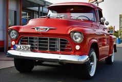 Vieille collecte rouge classique de Chevrolet photos stock