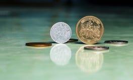 Vieille collection de pièces de monnaie images libres de droits
