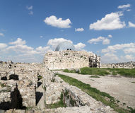 Vieille colline romaine de citadelle de la capitale Amman de la Jordanie Photographie stock