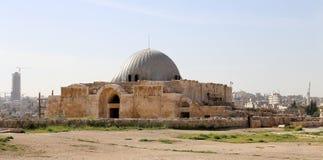 Vieille colline romaine de citadelle de la capitale Amman de la Jordanie Photographie stock libre de droits