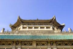 vieille construction chinoise sous le ciel bleu Photo stock