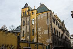 Vieille construction de Budapest Photo stock
