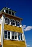 Vieille construction jaune images libres de droits