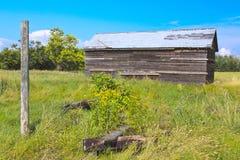 Vieille construction sur les prairies Photos libres de droits