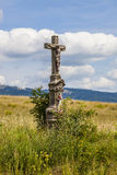 Vieille croix dans le domaine, République Tchèque Photographie stock libre de droits