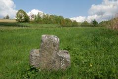 Vieille croix en pierre Image libre de droits