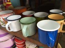Vieille cuvette colorée de l'eau Photos stock