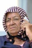 Vieille dame au téléphone Images libres de droits