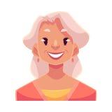 Vieille dame d'une chevelure grise, expression du visage de sourire Photos stock