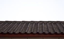 Vieille et sale tuile de toit Photo libre de droits