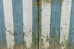 Vieille et usée porte en bois dans la ville de Valldemosa dans le Balear Images stock